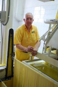 Dino Martelli und seine Pastamaschine