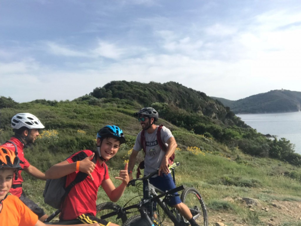 Gute Stimmung beim Mountainbike fahren